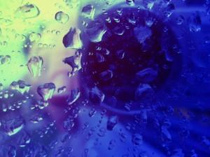 rain-on-mirror-1551737